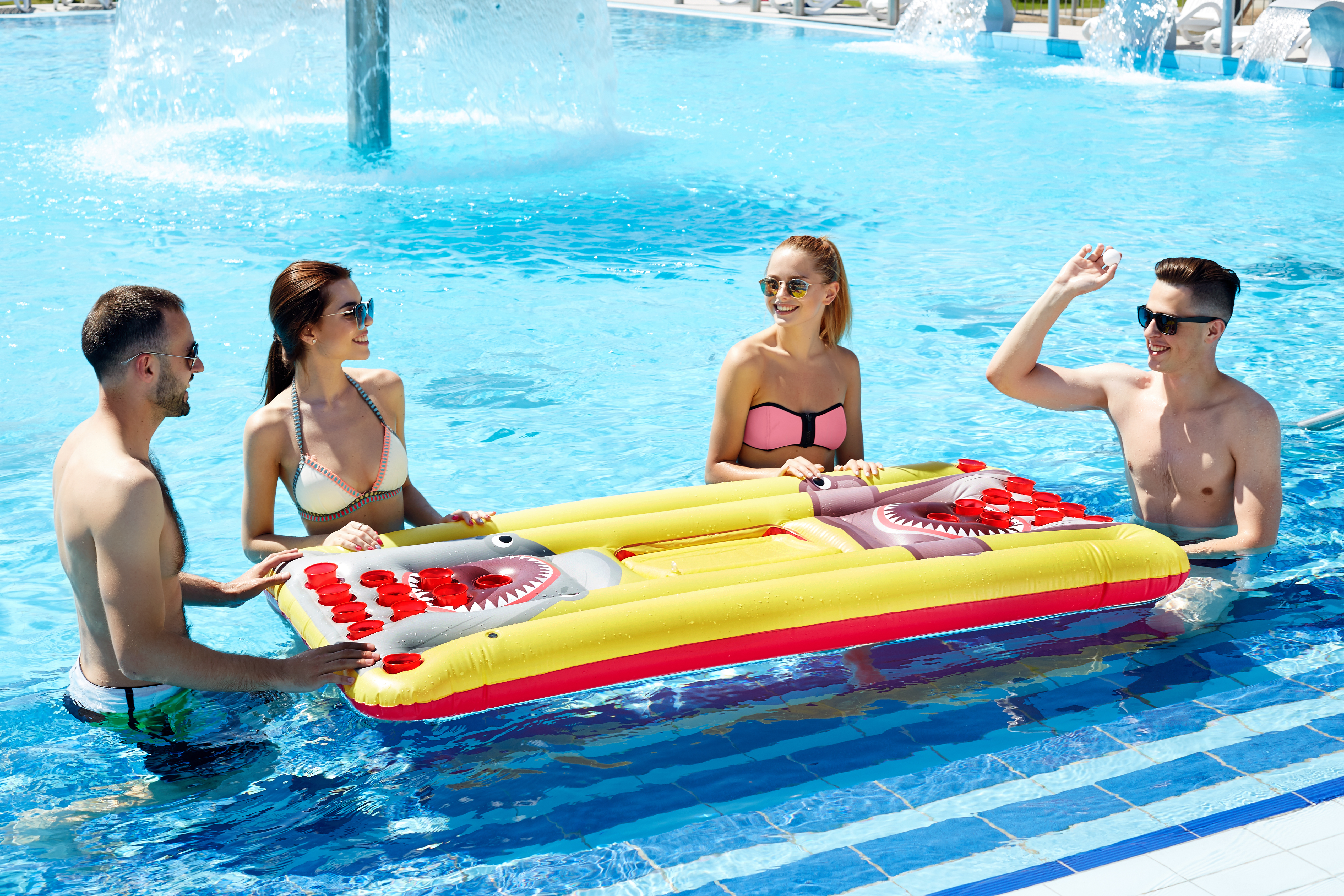 Details zu Giant Beer Pong Table Lounger Swimming Pool Fun Party Drinking  Games for Adults